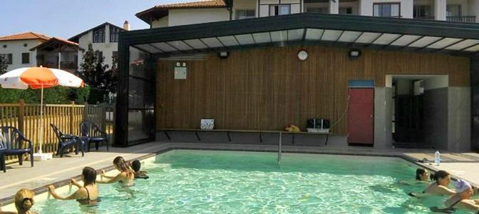 Dans la piscine pour Agosti